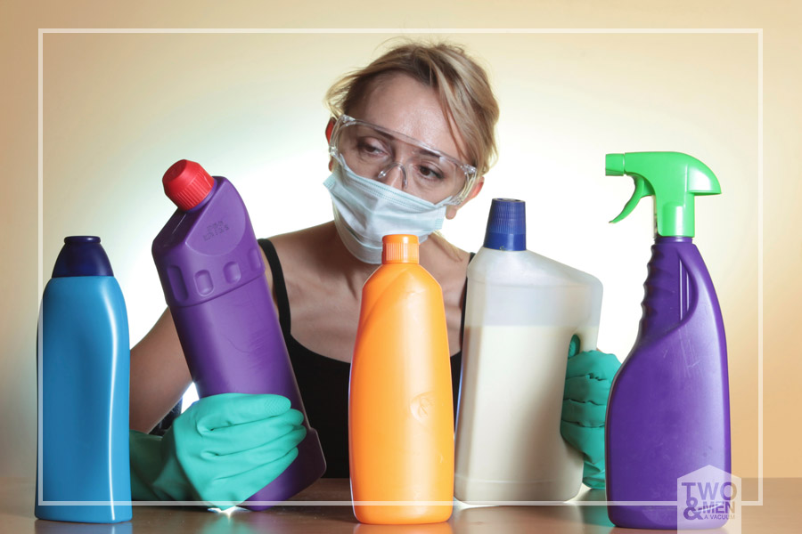 10 household cleaners you need to throw out today